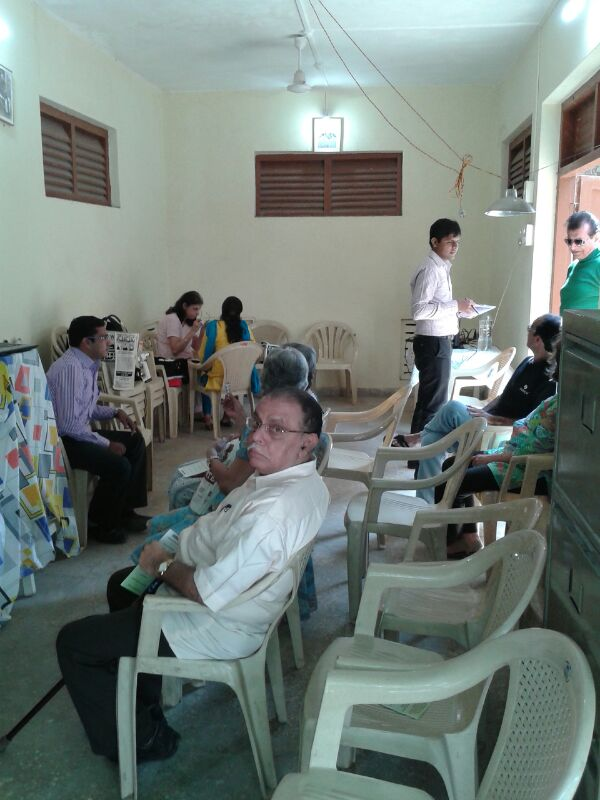 free-eye-check-up-camp-at-vile-parle-west
